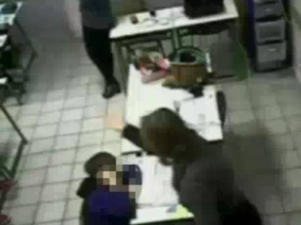 scuola-infanzia-botte-ai-bambini-maestre-arrestate