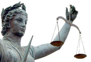 emiliano-deve-fare-il-giudice